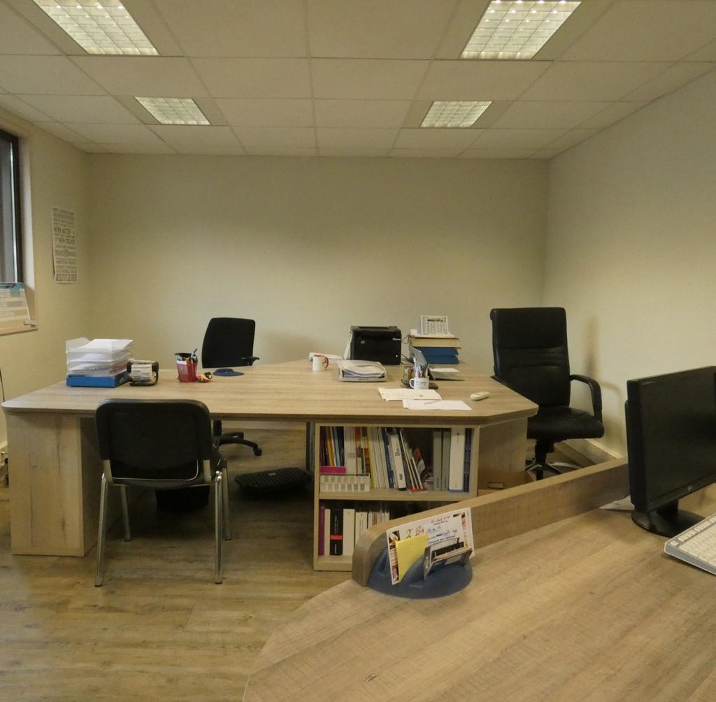 Venez nous rendre visite, il y aura toujours quelqu'un au bureau pour répondre à vos questions.